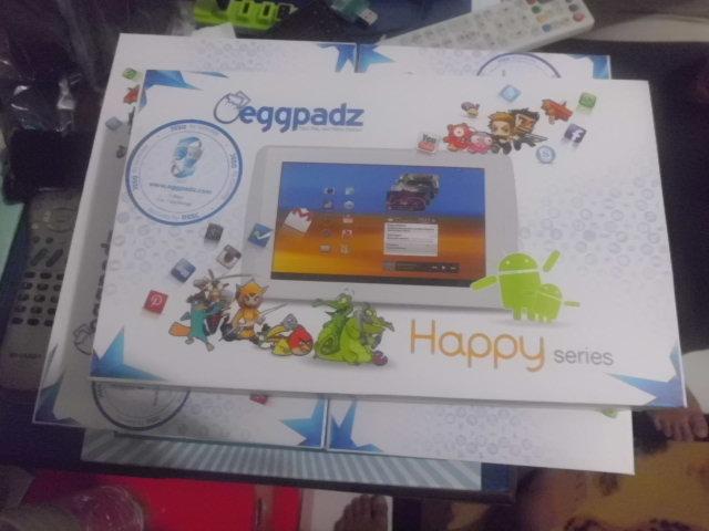 Rp. 920.000 saja Tablet PC Happy memang bikin senang dihati